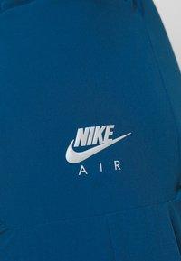Nike Performance - AIR PANT - Teplákové kalhoty - valerian blue - 6