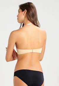 MAGIC Bodyfashion - V BRA - Multiway / Strapless bra - skin - 5