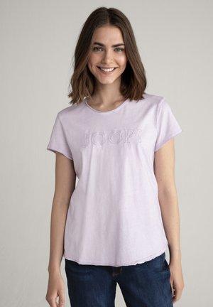 TARIA - Print T-shirt - flieder