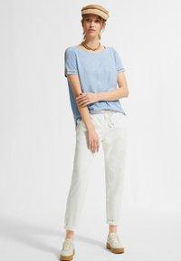 comma casual identity - Basic T-shirt - powder blue - 1