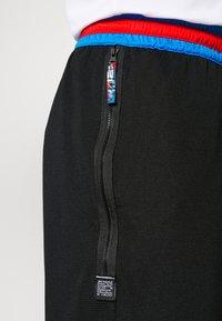 Nike Performance - DRY DNA  - Short de sport - black/chile red - 5
