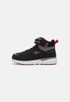 CARLO - Baskets montantes - jet black/red