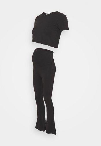 SET - Camiseta estampada - black