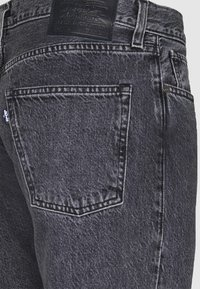 Levi's® Made & Crafted - LMC 502™ REGULAR TAPER - Jean droit - black water - 2