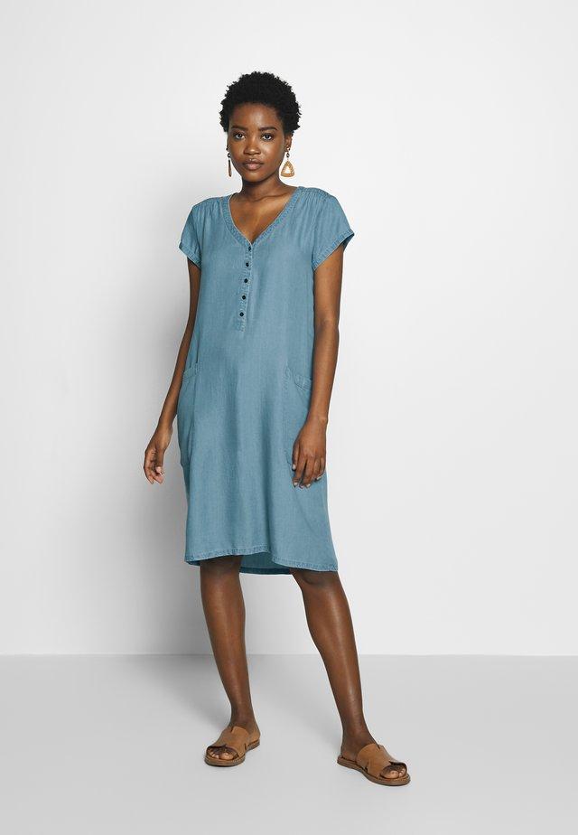 LIV - Denim dress - light blue denim