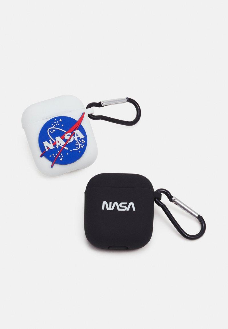 Urban Classics - NASA EARPHONE CASES UNISEX 2 PACK - Jiné doplňky - white/black