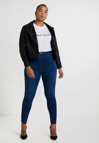 Missguided Plus - LAWLESS HIGHWAISTED SUPERSOFT - Jeansy Skinny Fit - blue - 1