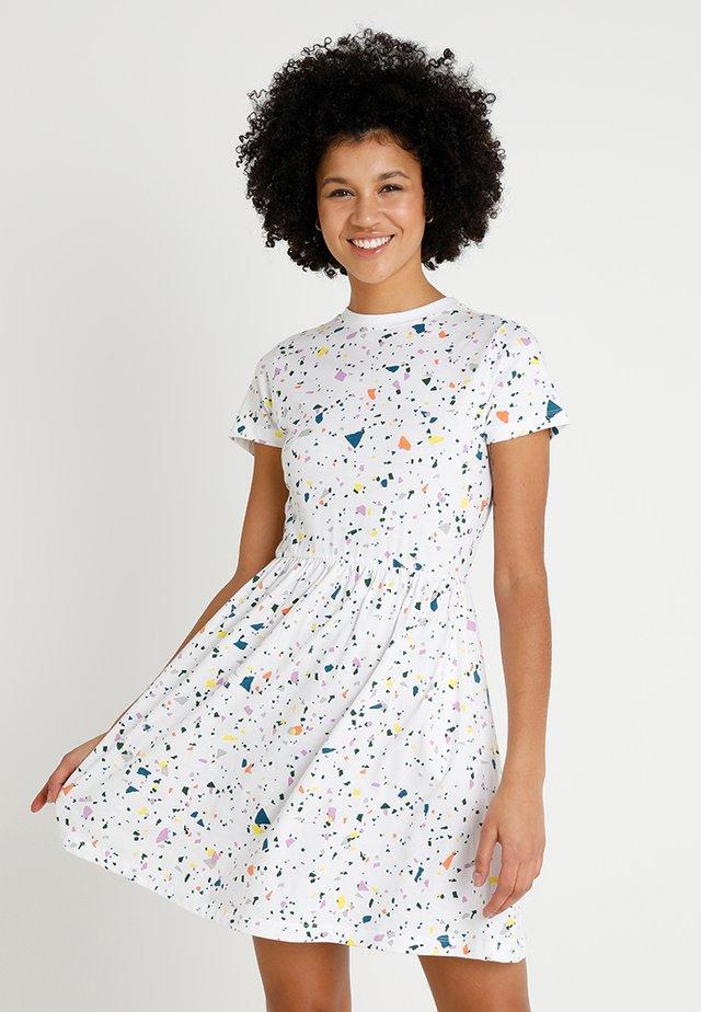 DRESS MARIBO TERAZZO - Jersey dress - white