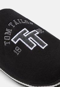 TOM TAILOR - Tofflor & inneskor - black - 5