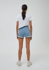 PULL&BEAR - Denim shorts - light blue - 2