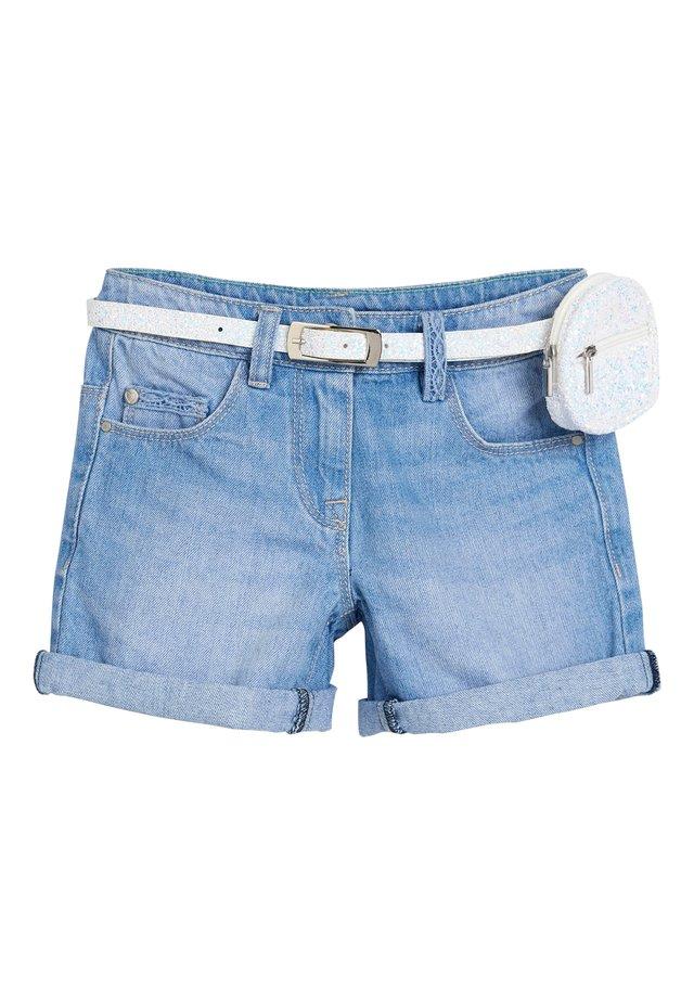 DENIM MID BLUE SHORTS WITH GLITTER PURSE BELT (3-16YRS) - Denim shorts - blue