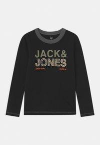 Jack & Jones Junior - JCOART CREWNECK 2 PACK  - Langærmede T-shirts - deep lichen green - 2