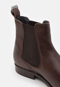 Shelby & Sons - SAMUEL BOOT - Kotníkové boty - brown - 5