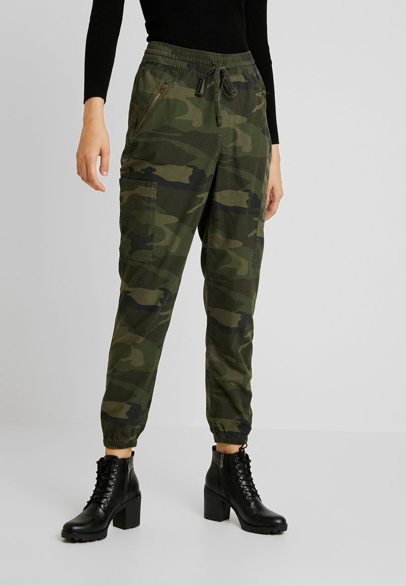 Hollister Co. - ULTRA HIGH RISE JOGGER - Trousers - olive