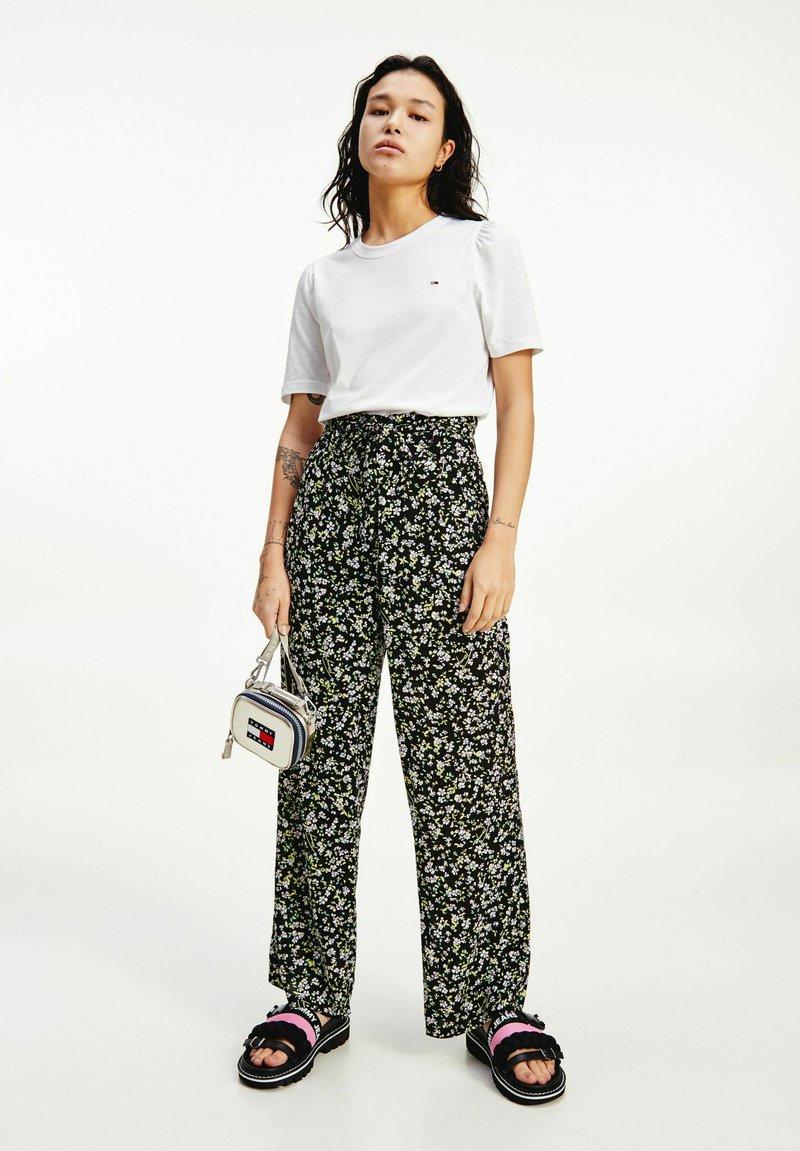 Tommy Jeans - TJW SLIM RUFFLED  - Basic T-shirt - white