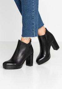 Tamaris - High Heel Stiefelette - black - 0