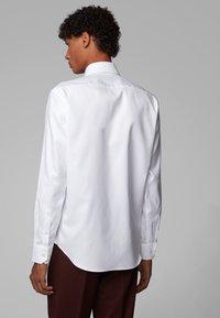 BOSS - GORDON - Formal shirt - white - 2