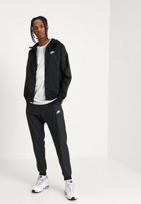 Nike Sportswear - Windbreaker - black - 1