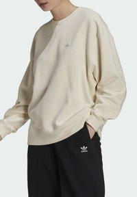 adidas Originals - Sweatshirt - beige - 3