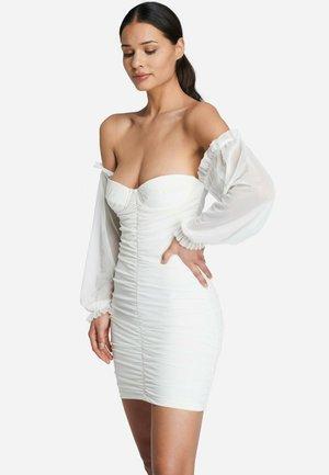 SANDRA - Shift dress - white