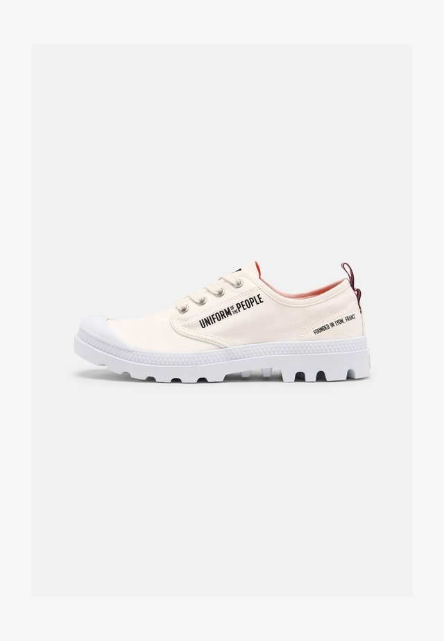 PAMPA UNISEX - Trainers - star white