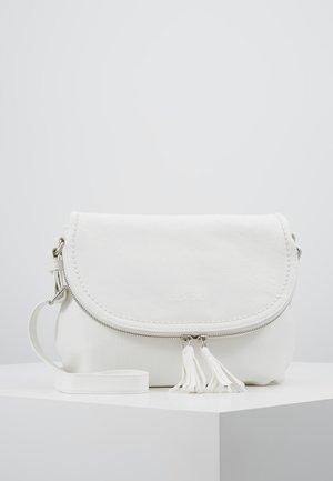 LARI - Across body bag - white