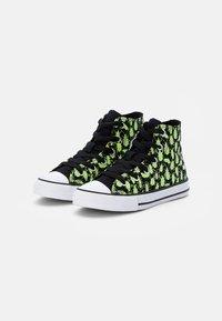 Converse - CHUCK TAYLOR ALL STAR GLOW BUG - Zapatillas altas - black/ceramic green/white - 1