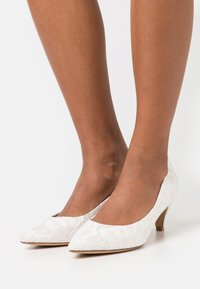 Tamaris - Klassiske pumps - ivory - 0