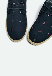 Pepe Jeans - TOURIST BRENNAN - Sneakers - azul marino - 4
