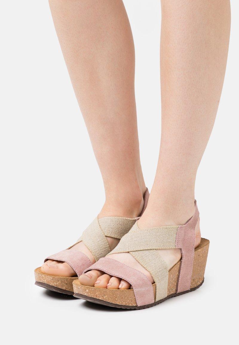 Copenhagen Shoes - STACIA - Sandály na platformě - rose