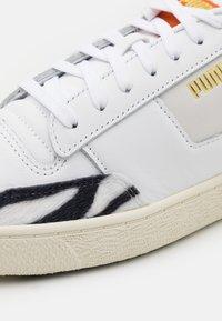 Puma - RALPH SAMPSON MC W.CATS UNISEX - Trainers - white/black/whisper white - 5