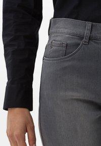 BRAX - Straight leg jeans - grey - 3