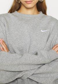 Nike Sportswear - CREW TREND - Sweatshirt - grey - 5
