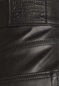 Levi's® - FAUX LEATHER - Pantalón de cuero - leather night - 2