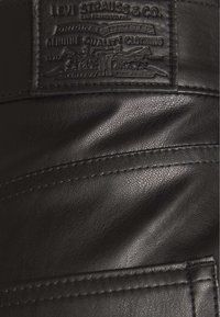 Levi's® - FAUX LEATHER - Skinnbukser - leather night - 2