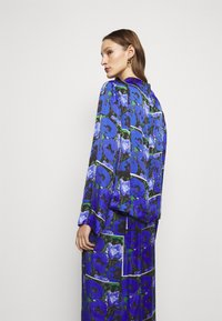 House of Dagmar - PAISLY - Blouse - blue - 2