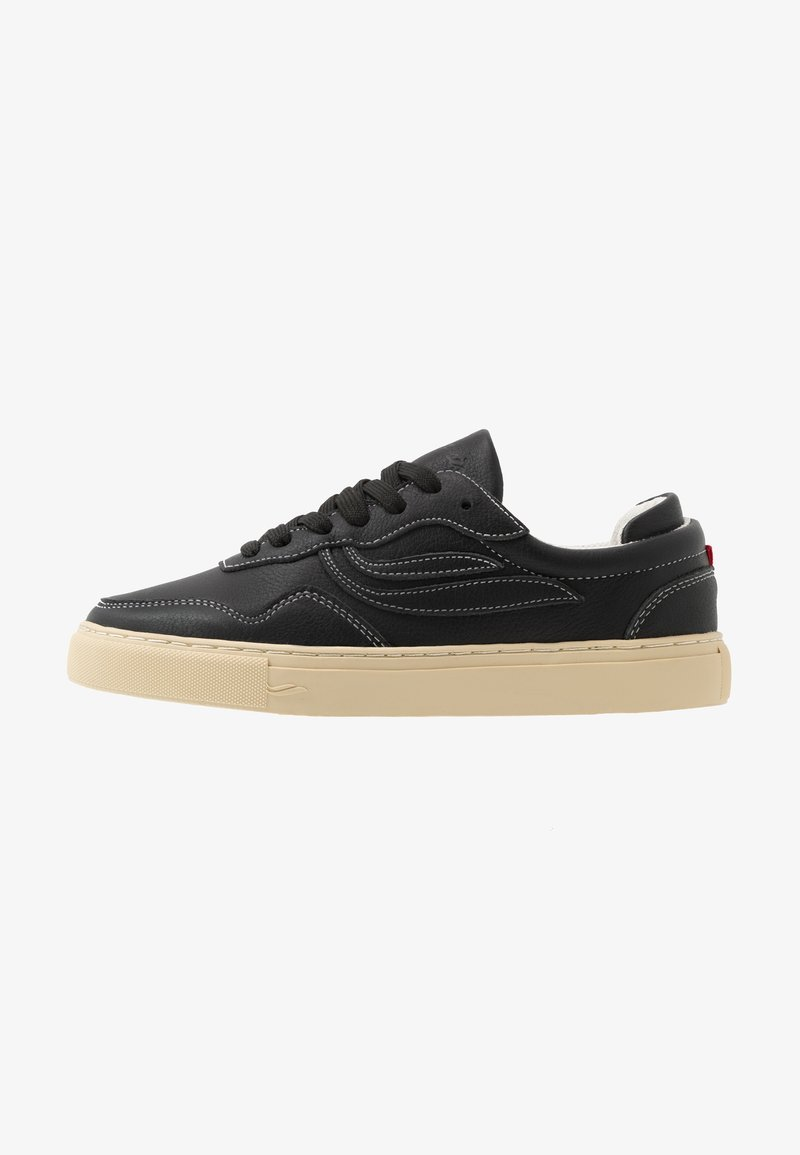 Genesis - SOLEY TUMBLED - Sneakers basse - black