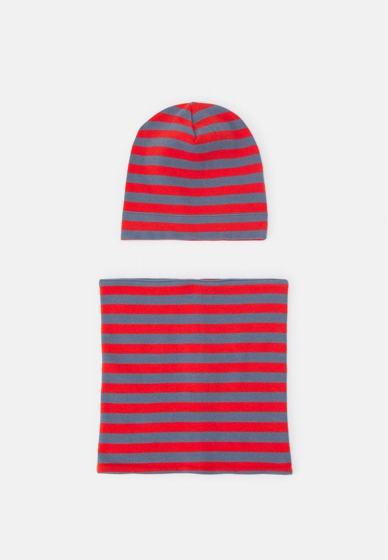 Sense Organics - KAI HAT & SUSU ROUND SCARF SET UNISEX - Snood - stone blue/red