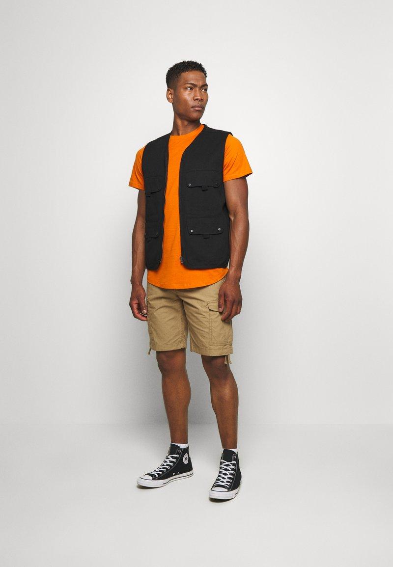 Jack & Jones - JJENOA TEE CREW NECK 5 PACK - Basic T-shirt - crockery/ombr/hawaiia/fade/dusty