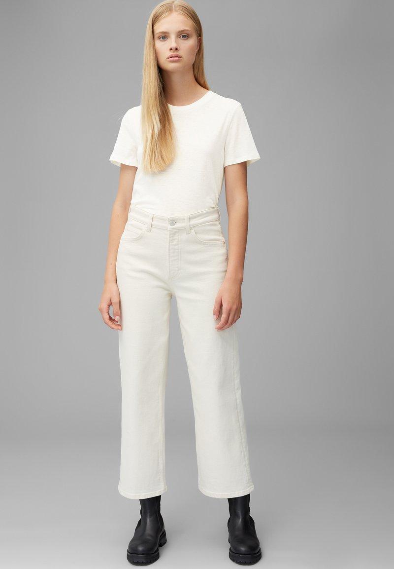 Marc O'Polo DENIM SHORT SLEEVE - T-Shirt basic - scandinavian white/weiß M01gtm
