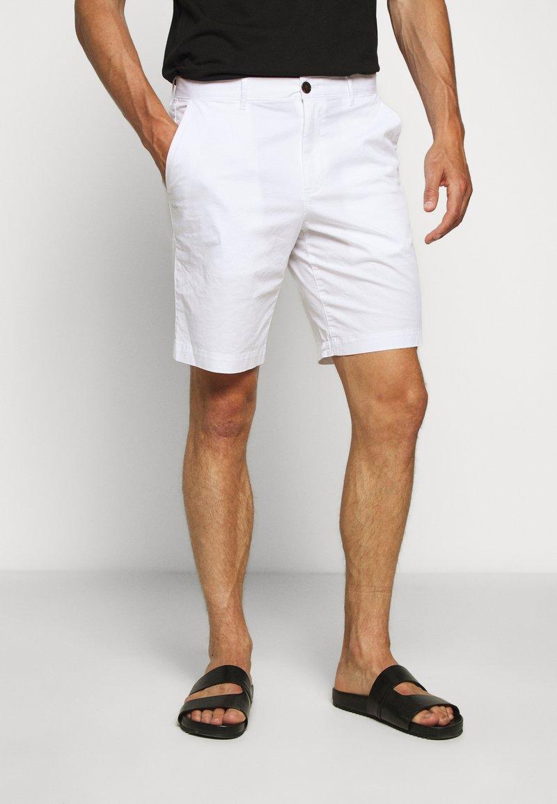 Michael Kors - WASHED - Shorts - white