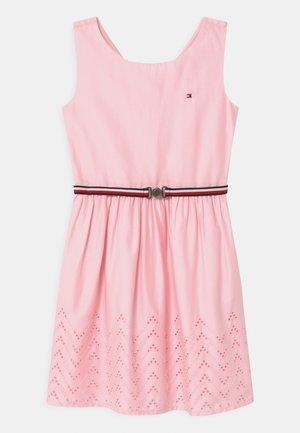 SHIFFLEY - Day dress - pink breeze