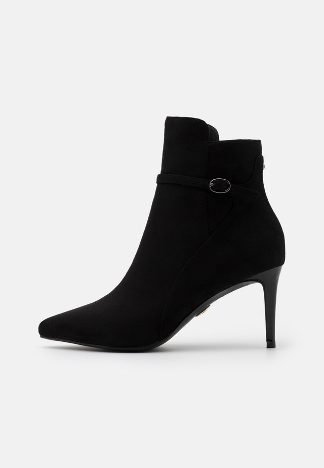 MARQUIS - Korte laarzen - black