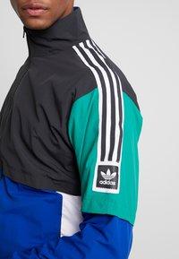 adidas Originals - Sportovní bunda - carbon/collegiate royal/bold green/white - 5