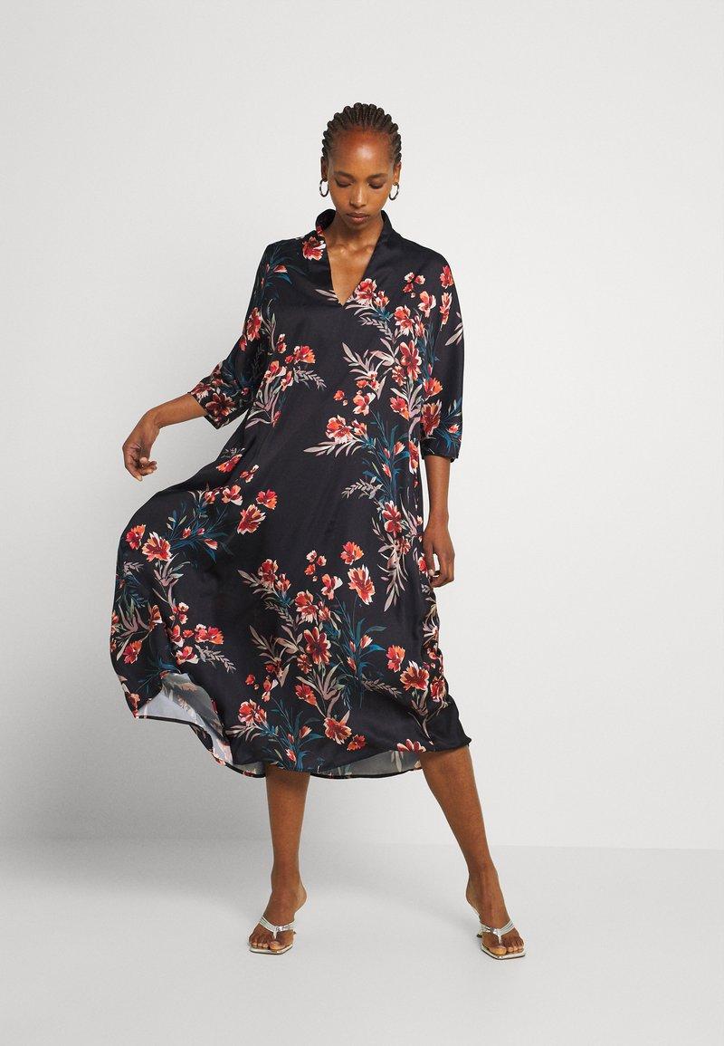 Molly Bracken - LADIES WOVEN DRESS - Maxi dress - dryflowers black