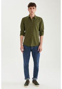 DeFacto - Formal shirt - khaki - 1