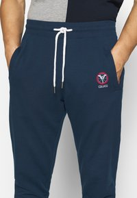 Carlo Colucci - Tracksuit bottoms - dark blue - 4