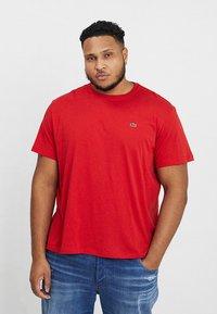 Lacoste - T-shirt basic - clusi chine - 0