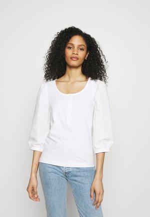 BLOUSE - Maglietta a manica lunga - white