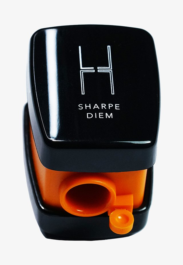 SHARPE DIEM SHARPENER - Makeup-accessories - -